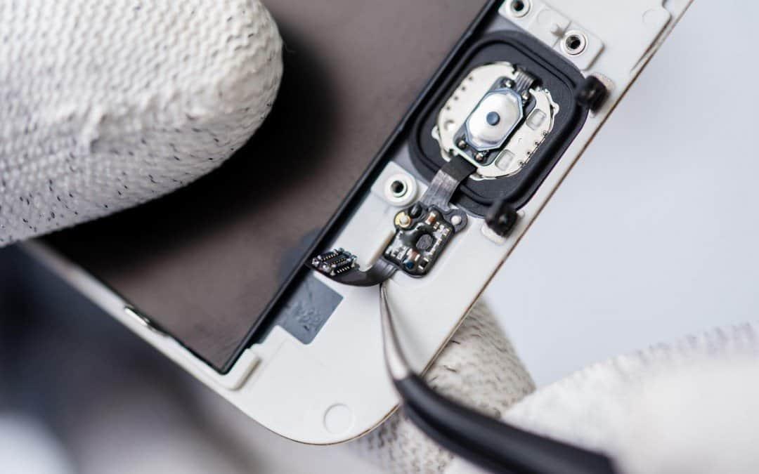 O czym warto pamiętać, zanim oddasz swój iPhone do naprawy?