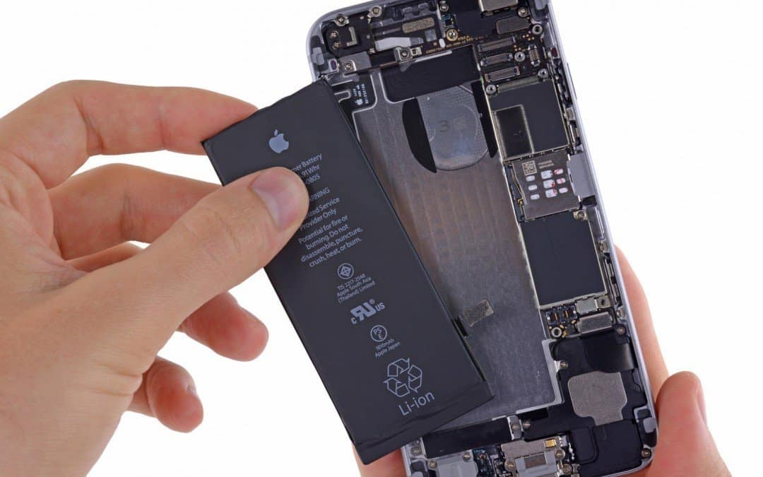 Badanie autentyczności baterii w iPhone i… wybuch?