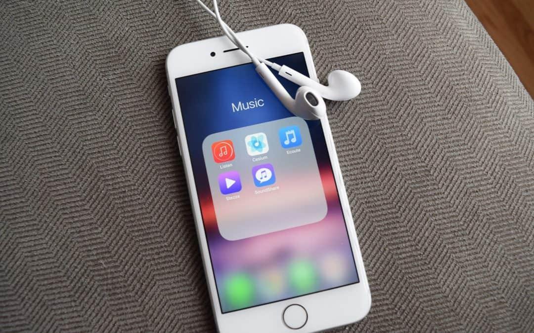 Jak zgrać muzykę na iPhone? Krótki poradnik